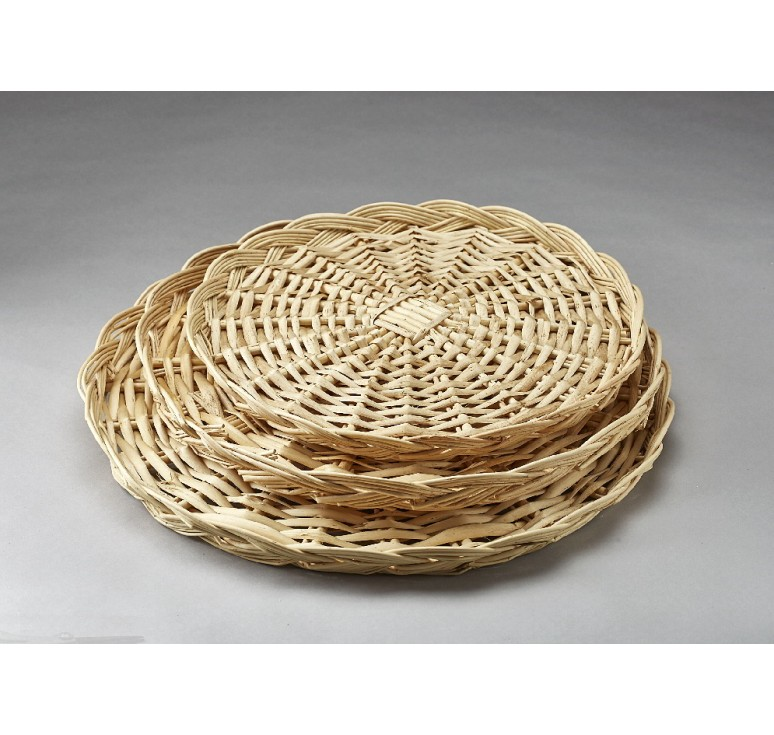 "18"" Round Willow Packing Tray"